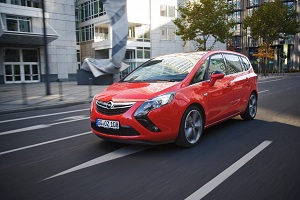 Opel Zafira Tourer BiTurbo, vue avant