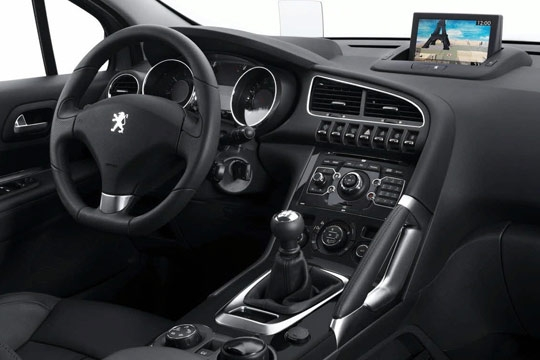 Le peugeot 2008 futur star du lion for Interieur peugeot 2008