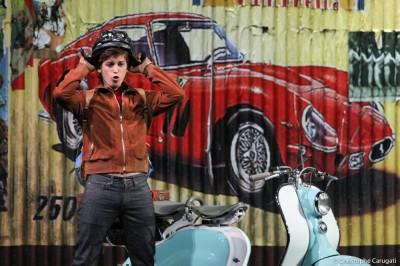 Ernesto,neveu de Don Pasquale,  symbole de la mouvance des années 60-Don Pasquale de Donizetti par Stéphane Roche-Théâtre du Capitole (saison 2012-2013)-Toulouse, France-Avril 2013-Christophe Carugati