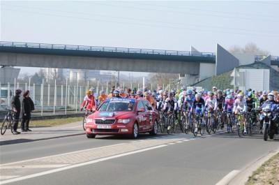 Les coureurs attendent le lancement de la course