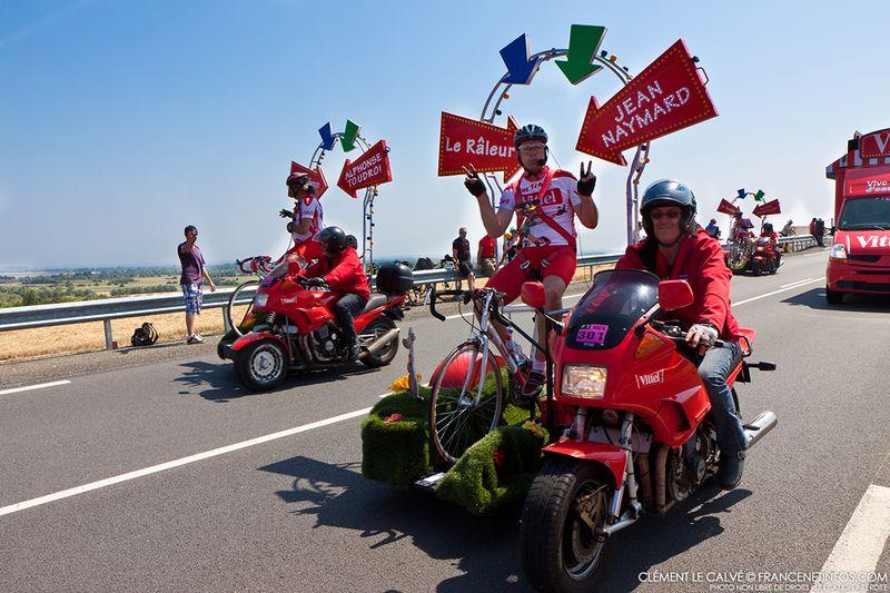 Les « amuseurs » au diapason Team Vittel Tour de France 2013