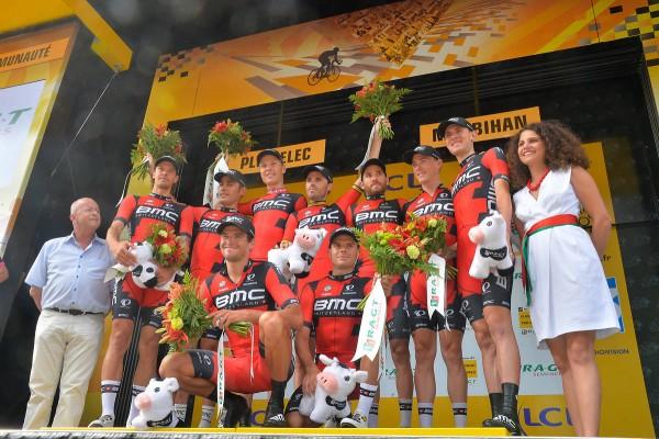 L'équipe BMC vainqueur de la 9ème étape à Plumelec (Crédit : ASO/B.Bade)