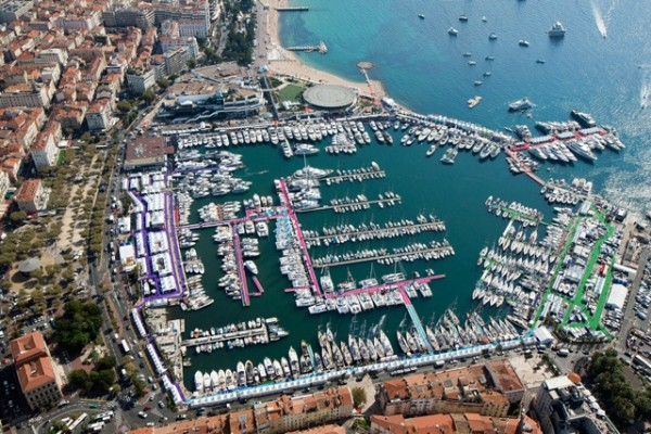 Les ports remplis de bâtiments