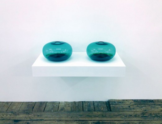 Astrid Myntekær, Untitled. Glass, ferrofluid, motor, magnet, 100 x 75 x 40 cm, 2014