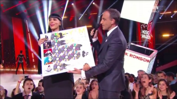 REPLAY NRJ MUSIC AWARDS (4) Shy'm Disque Diamant