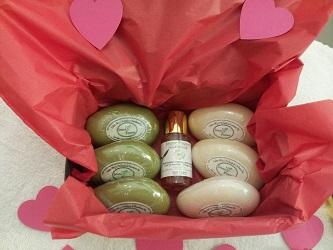coffret-cadeau-savons-huile-jeune-pousse
