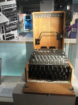Cabinet de guerre de Churchill : Machine Enigma
