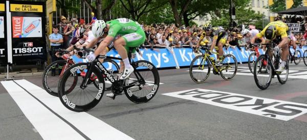 Mark Cavendish à la banane, deuxième victoire à Angers