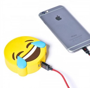 batterie-externe-smiley-lol-iphone-6-iphone-7-300x295