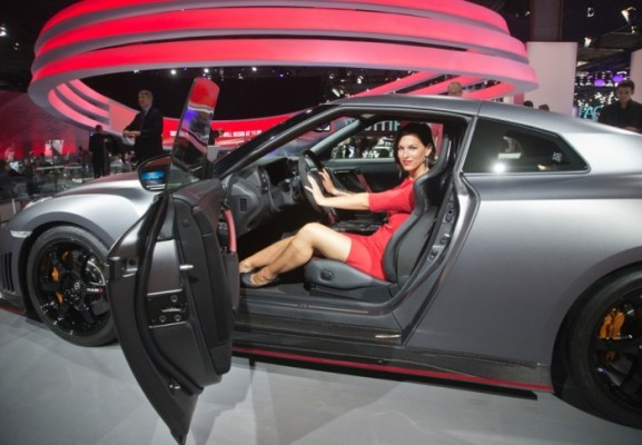 hotesses-paris-motor-show-2014-1