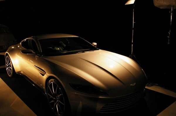 aston-martin-db10-du-dernier-james-bond
