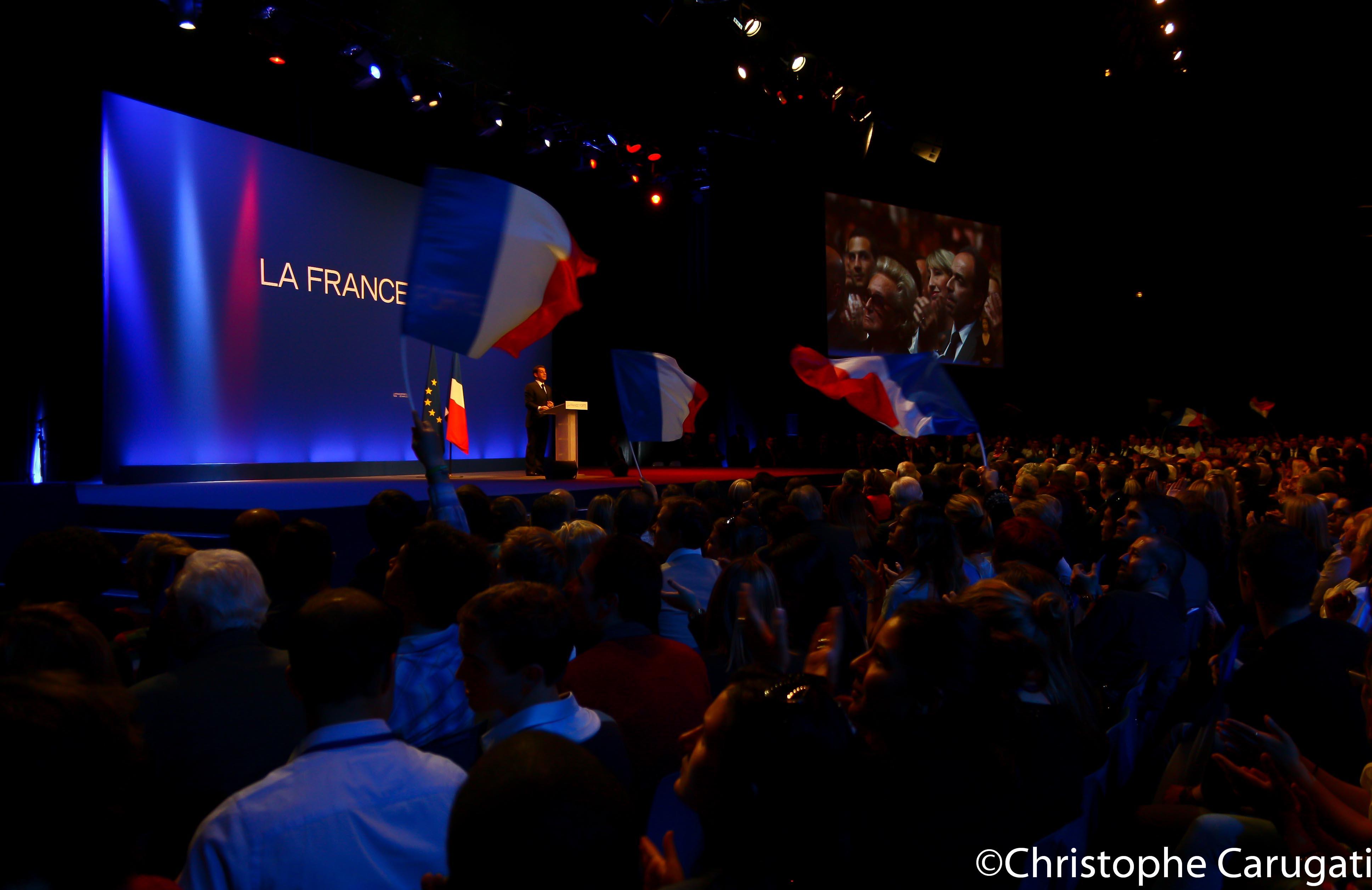 le Président-Candidat,Nicolas Sarkozy , hier soir à Nice pour son dernier meeting