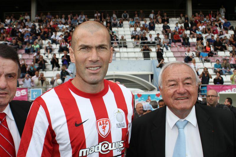 Hommage Jean Varraud Cannes--Zidane - Bernard Brochand