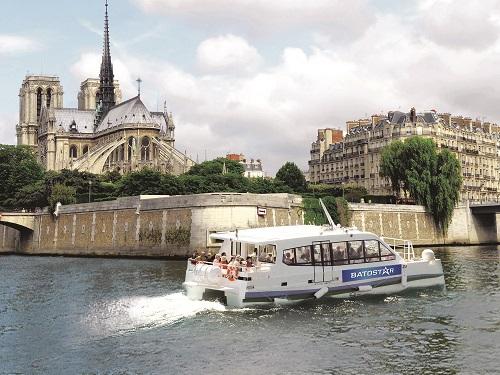 le premier bateau lancé par Vedettes de Paris Le Batostar 100% électrique