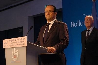 François hollande   inaugure l'usine de batteries electriques de Vincent Bollore