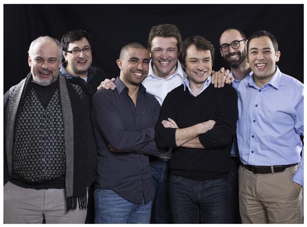 ... sept présentateurs! (dont Benjamin Vincent, fondateur de Ouatch TV, au centre)