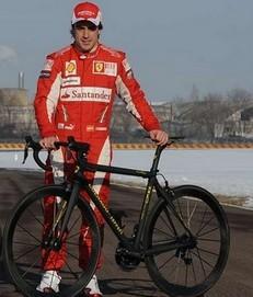 Fernandon Alonso en vélo
