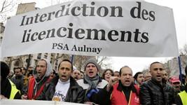 Manifestation des salriés du groupe PSA contre le plan social