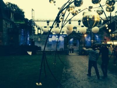 Décorations au Festival Astropolis 2014