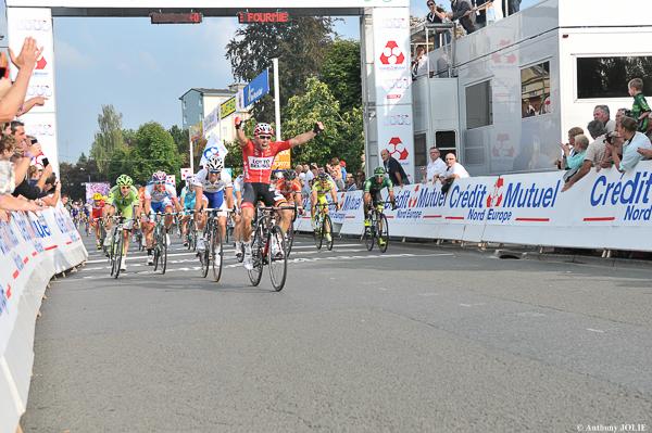 Jonas Van Genechten s'impose au sprint