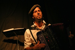 Anthony Doux à l'accordéon