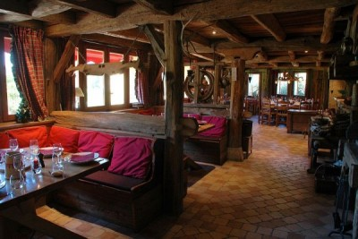 Table de Fifine salle de restaurant 2
