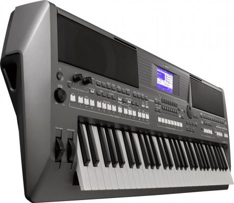 Yamaha Série PSR S670