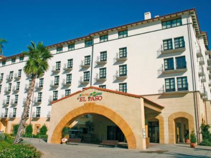 L'entrée de l'hotel El Paso, bienvenue au Mexique!