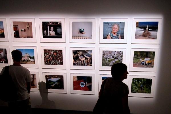 Une première grande rétrospective à Arles