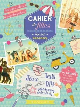 cahier-de-filles-special-vacances-larousse