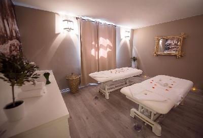 immersion bien tre au centre vital spa de bouc bel air. Black Bedroom Furniture Sets. Home Design Ideas
