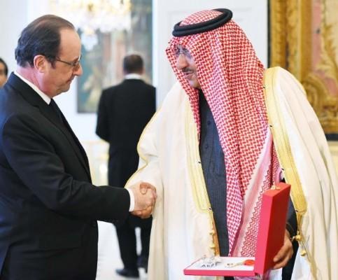 Le Prince Mohammed ben Nayef Al Saoud décoré par la France