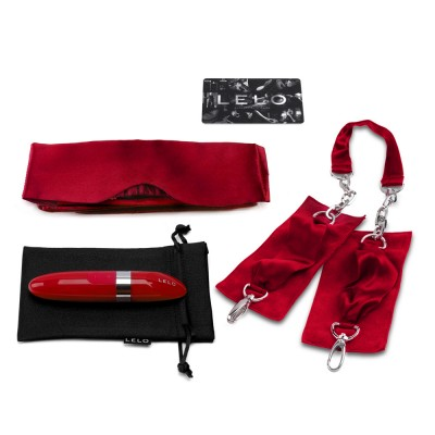 LELO_Accessories_ADORE-ME_contents_2x