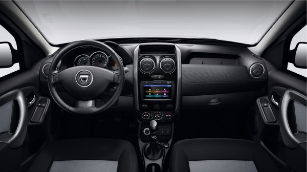 dacia-duster-black-touch-interieur