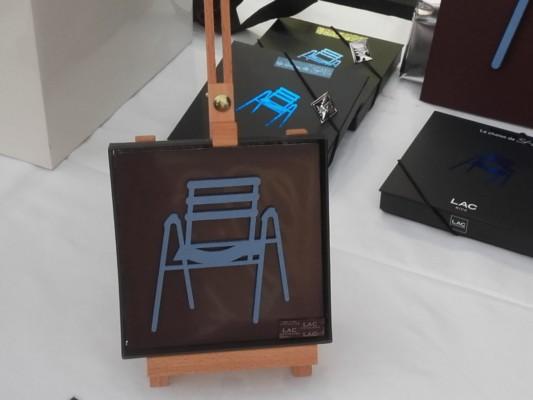 La célèbre chaise bleue se déguste désormais en chocolat