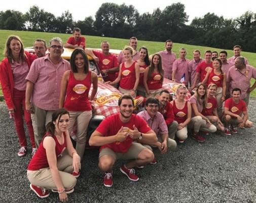 Equipe caravane Tour de France Cochonou
