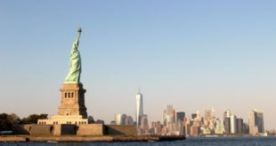 statue-of-liberty-1031550_1920