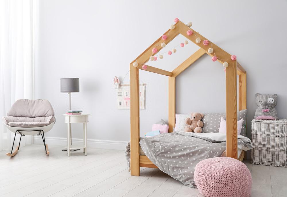 Le lit cabane en bois