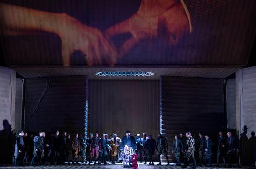 Rigoletto à l'Opéra de Paris : un incontournable du répertoire de Verdi mis en scène par Claus Guth.